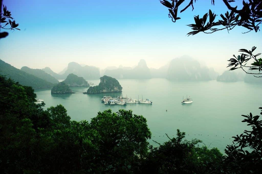An extensive itinerary for visiting Vietnam. #vietman #halongbay #sapa