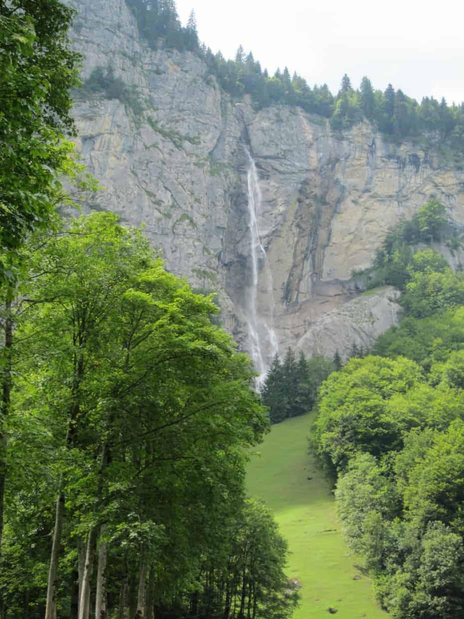 Lauterbrunnen in Switzerland is the valley of 72 waterfalls. Read our guide on what to do when staying in Lauterbrunnen. #lauterbrunnen #switzerland #alps #valleyofwaterfalls #swissvillage