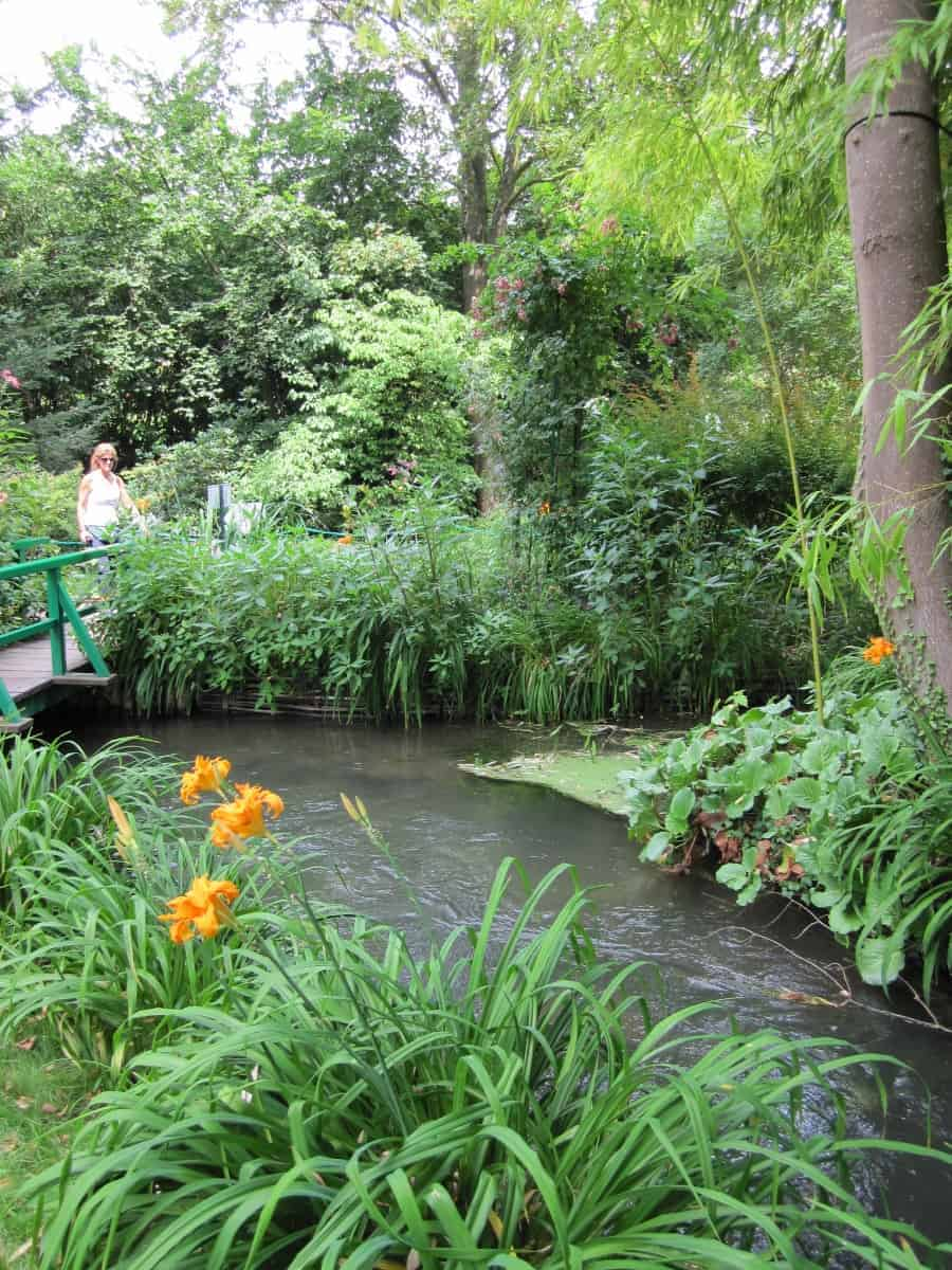 Spend a day visiting Monet's Gardens in Giverny an easy day trip from Paris. #giverny #monetsgardens #monet #france #daytripparis