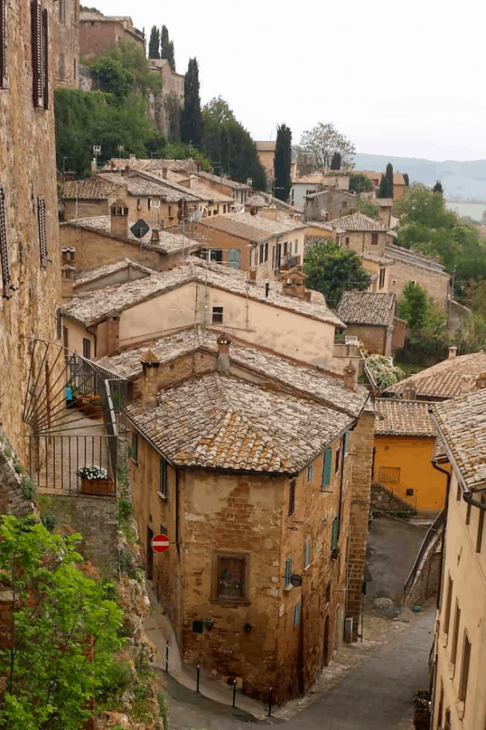 Tuscany is filled with delightful villages and towns just waiting to be explored. Start your journey with these three beautiful towns. #tuscany #orvieto #montepulciano #cortona #tuscanvillages #pienza #italy