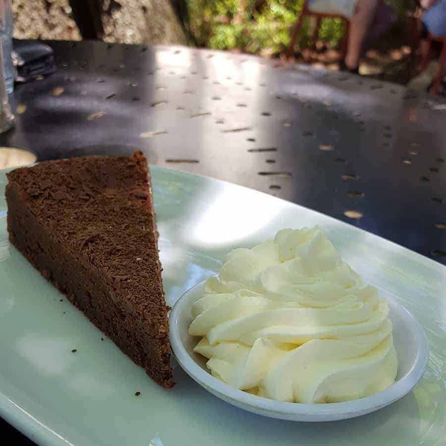 5 Cafes you should try on a trip to the Blue Mountains, Australia. All are great for breakfast, lunch and morning tea. And we have included gluten free and dairy free options.