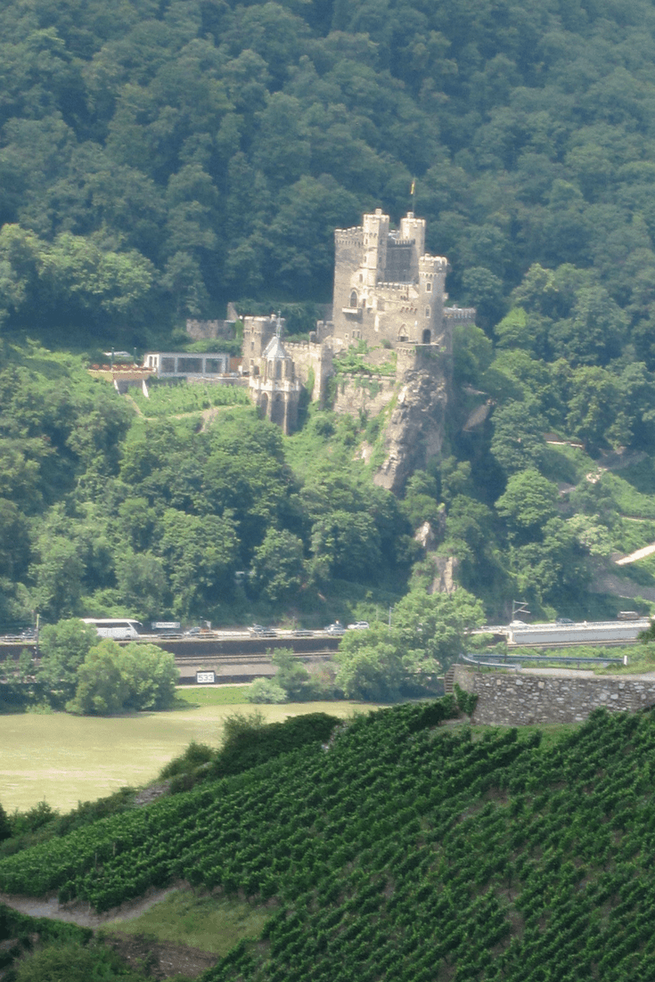 My day spent in the town of Bacharach, Germany and a guide to staying and exploring the Rhine