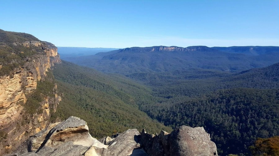 Check out the Revised Edition of the Blue Mountains Visitor's Guide with more information for your trip to Australia and the stunning Blue Mountains. #bluemountains #australia #bluemountainslookouts #leura #wentworthfalls #katoomba #blackheath