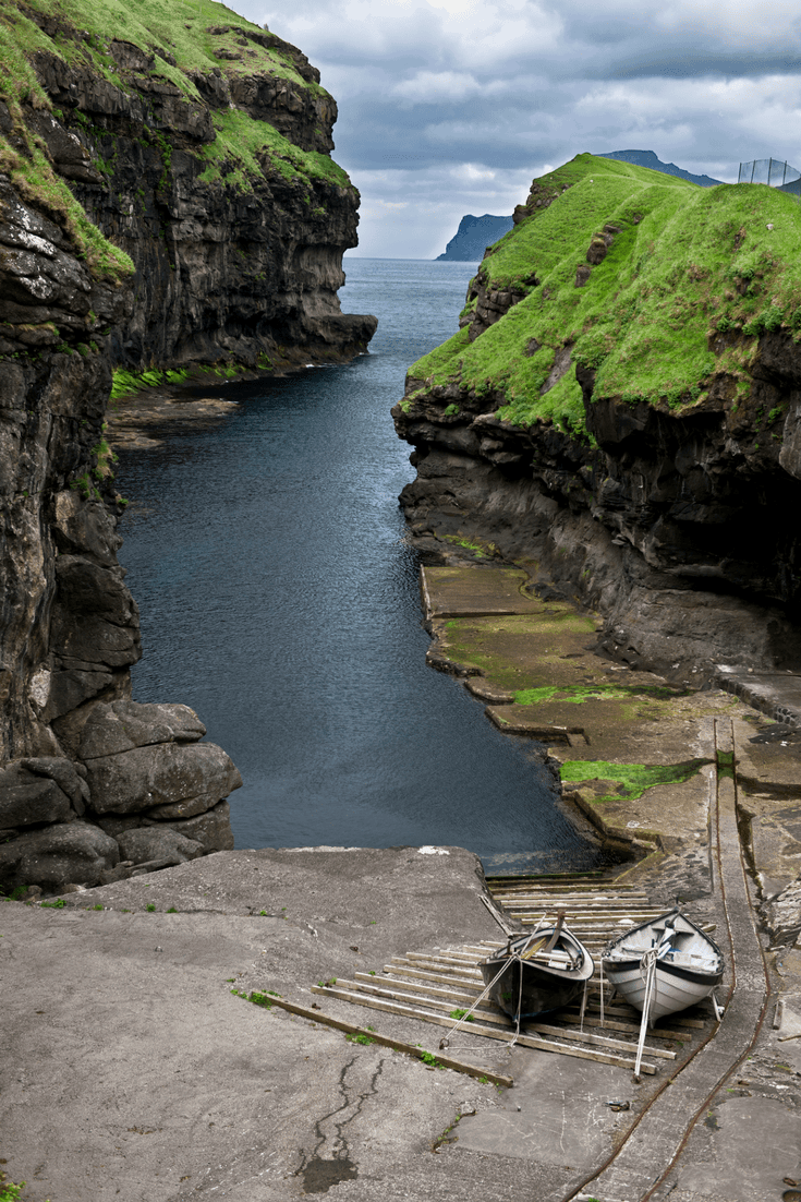 The Faroe Islands, beautiful, raw, simple. The perfect blend of stunning beauty and a simplistic lifestyle. Currently on my bucket list. #bucketlist #faroeisland #denmark #faroe