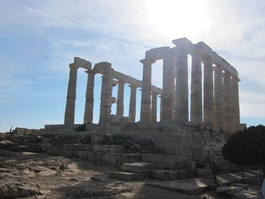 A lot of people skip Athens in their Greek Itinerary. But you shouldn't, there are plenty or reasons you should include Athens in your itinerary #greece #athens #greekholiday #ancientgreece