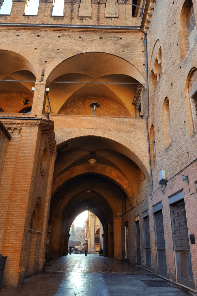 A quick look at the sights and tastes Bologna has to offer. An Italian city that should not be missed. #bologna #italy #italianfood