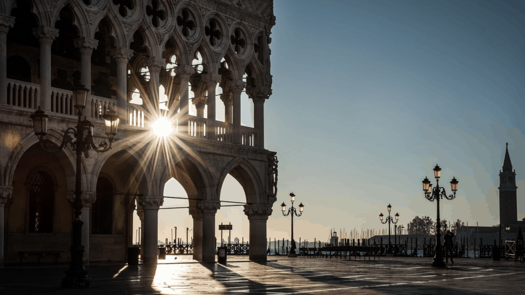 Incredible Italian Cities everyone should experience at least once. #italy #italiancity #italianitinerary