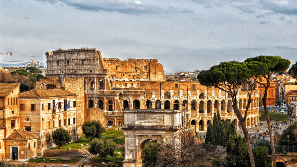 Everyone should stay in these cities at least once. #italy #italiancities #italianitinerary