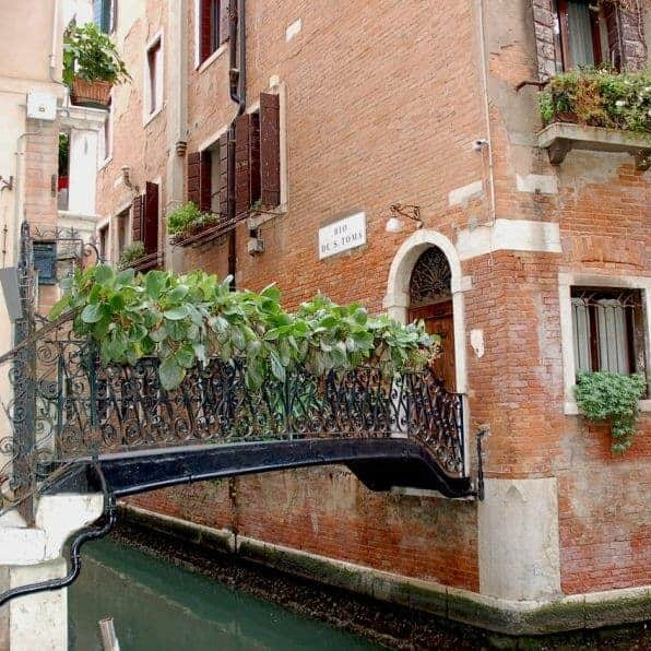 travelcharm_venice_bridge