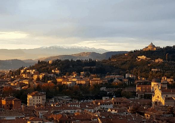 An extensive guide for the beautiful city of Verona #verona #italy #romeoandjuliet